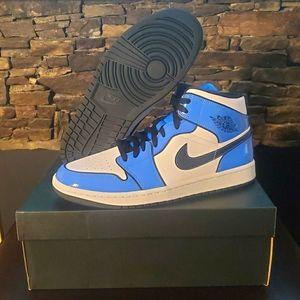 Jordan 1 Mid Se 'Signal Blue' Shoes